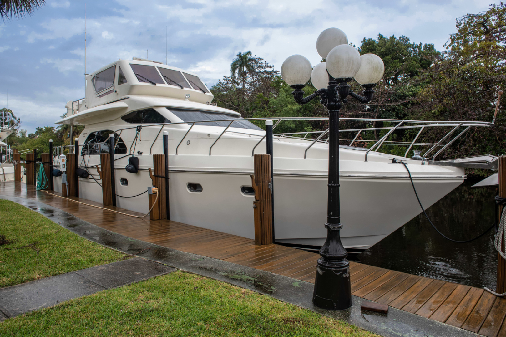 Picture Of: 60' Hampton Motor Yacht 2009 Yacht For Sale | 2 of 45