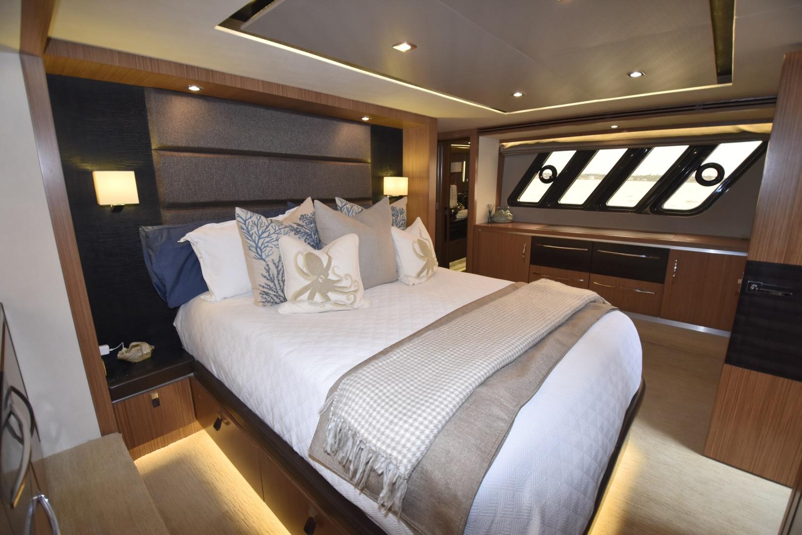 Sea Ray-L650 2016-3x's the Charm Longboat Key-Florida-United States-2016 Sea Ray L650  3x's the Charm  Master Stateroom-1251811 | Thumbnail