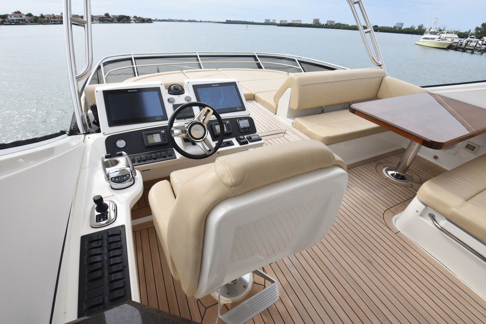 Sea Ray-L650 2016-3x's the Charm Longboat Key-Florida-United States-2016 Sea Ray L650  3x's the Charm  Flybridge Helm-1251855 | Thumbnail