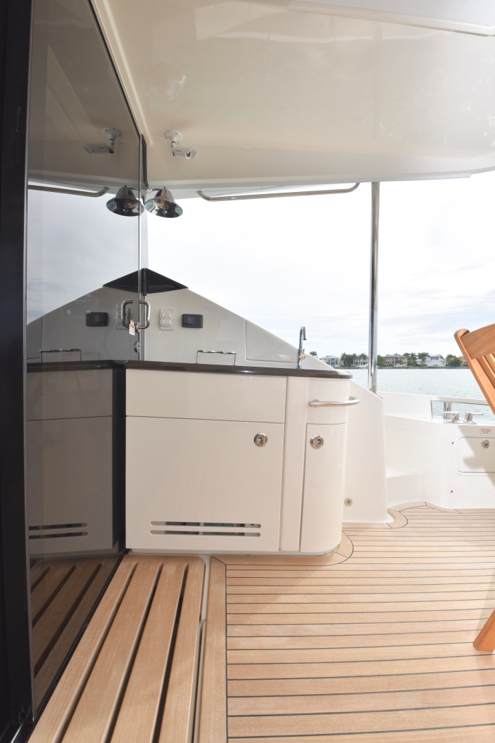 Sea Ray-L650 2016-3x's the Charm Longboat Key-Florida-United States-2016 Sea Ray L650  3x's the Charm  Aft Cockpit-1251837 | Thumbnail