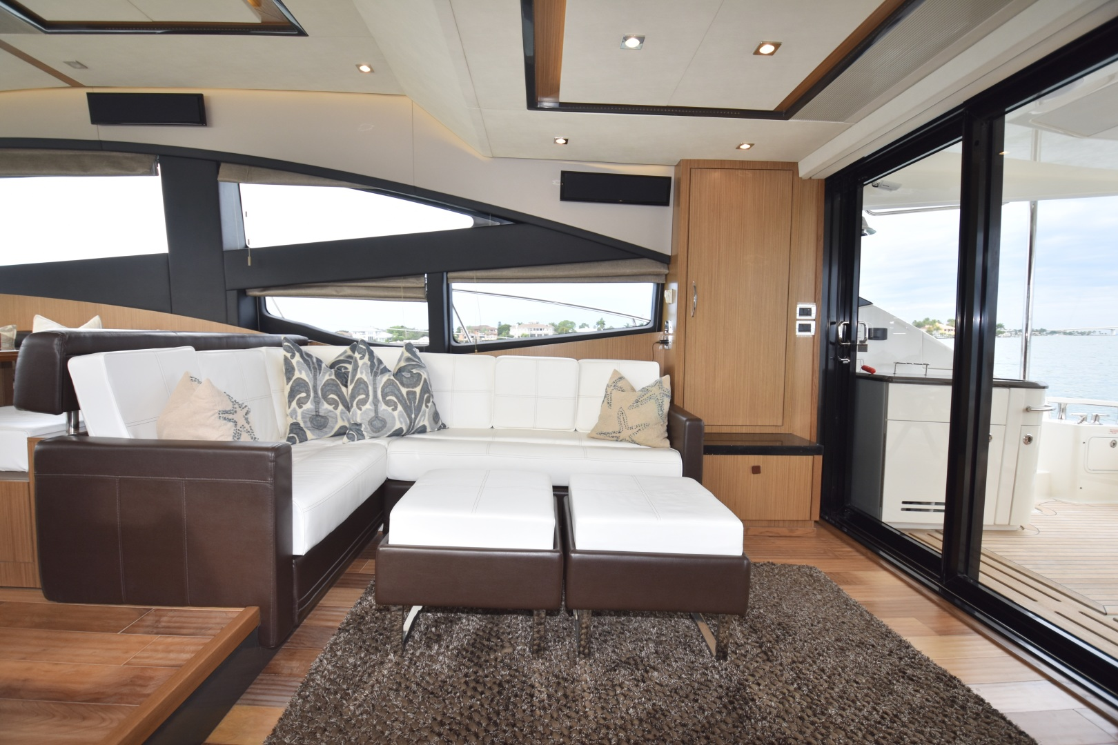Sea Ray-L650 2016-3x's the Charm Longboat Key-Florida-United States-2016 Sea Ray L650  3x's the Charm  Salon-1251805 | Thumbnail