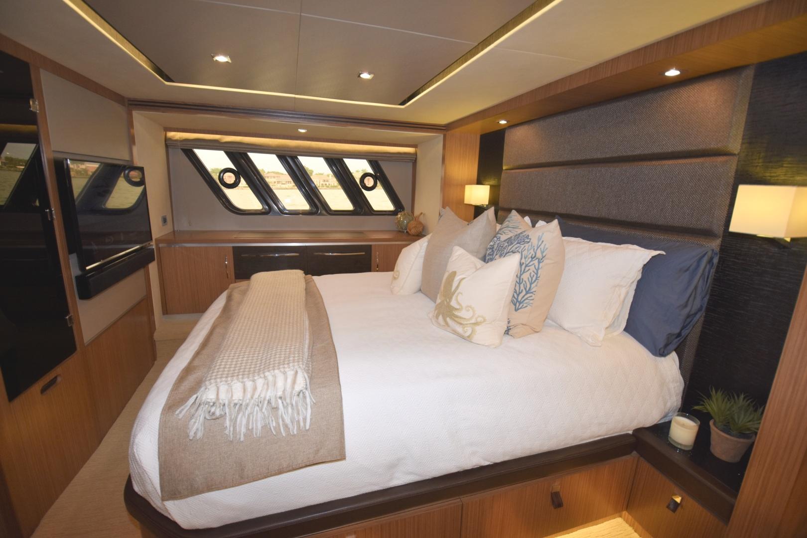 Sea Ray-L650 2016-3x's the Charm Longboat Key-Florida-United States-2016 Sea Ray L650  3x's the Charm  Master Stateroom-1251813 | Thumbnail