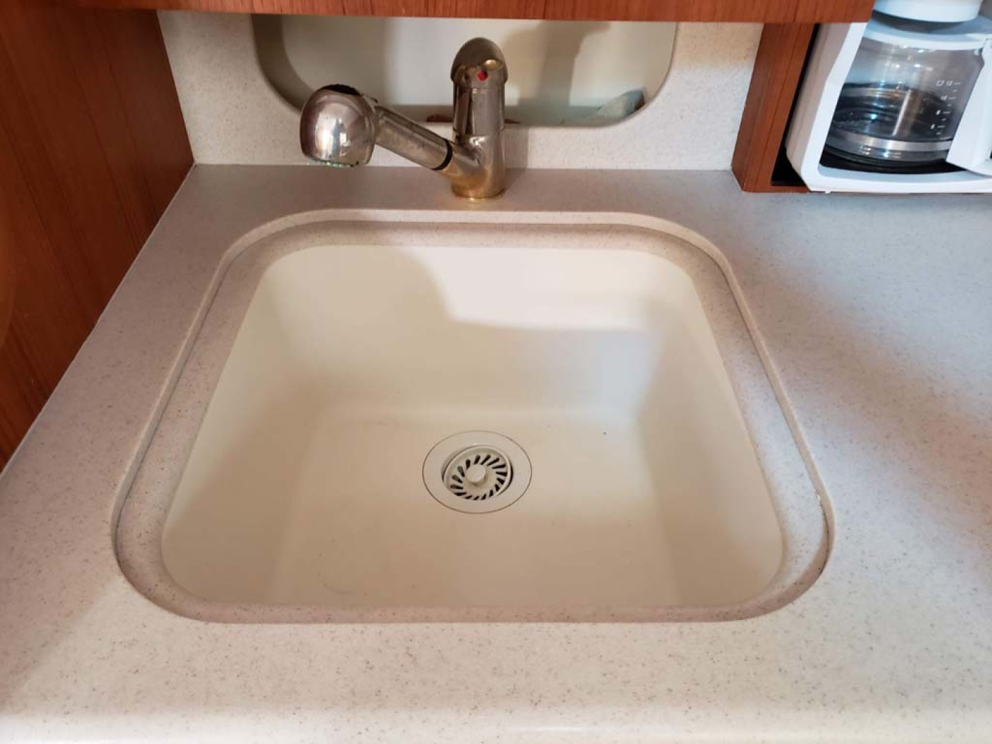 Pursuit-3800 Express 2004-CAN MAN Montauk-New York-United States-Deep Sink With Pull Out Faucet-1250922 | Thumbnail