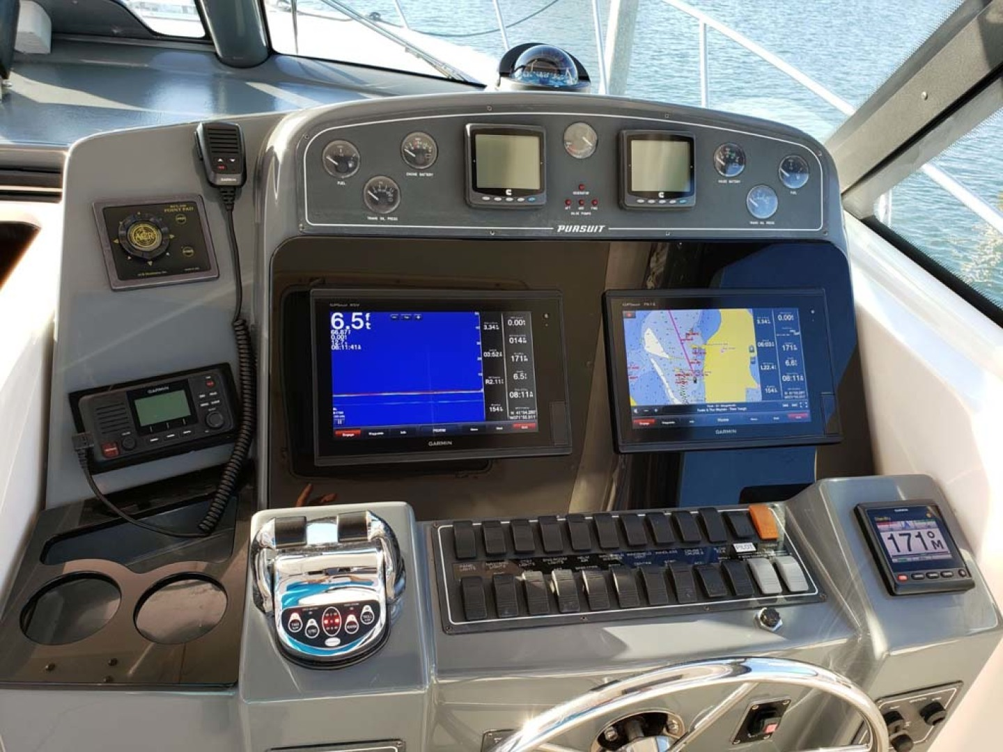 Pursuit-3800 Express 2004-CAN MAN Montauk-New York-United States-Helm-1250947 | Thumbnail