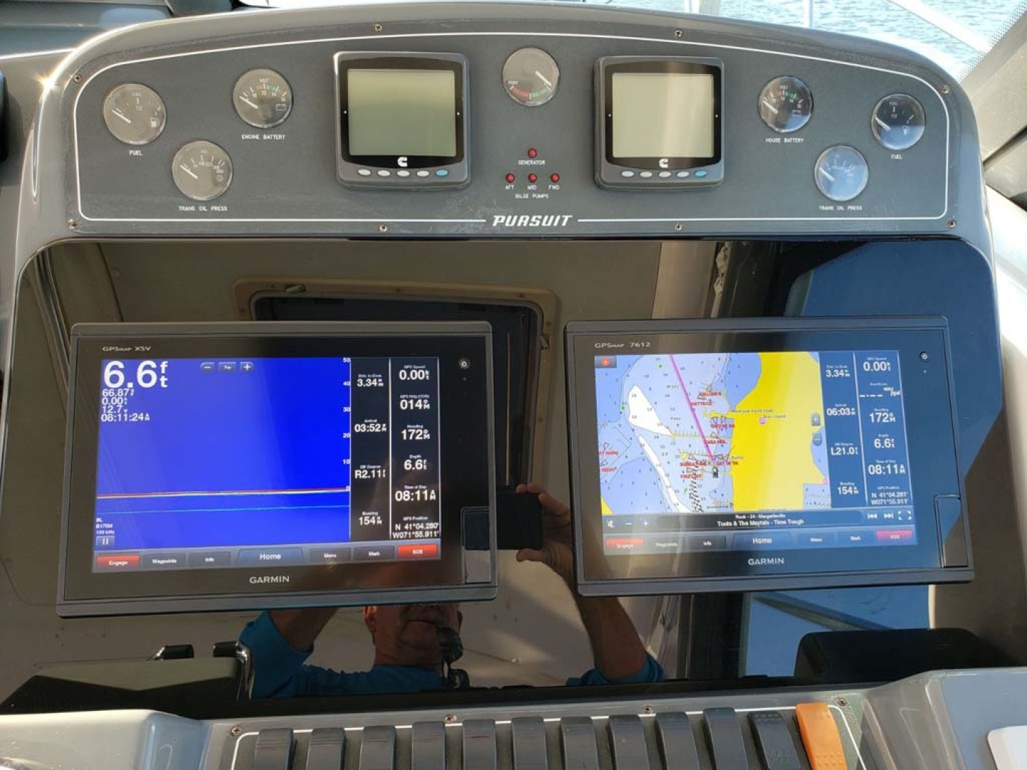 Pursuit-3800 Express 2004-CAN MAN Montauk-New York-United States-Garmin Electronics Package-1250948 | Thumbnail