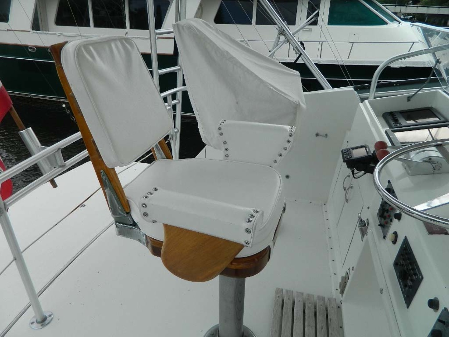 Hatteras-52 Sport Fisherman 1988-Iron Will Stuart-Florida-United States-Helm Seats-1251597 | Thumbnail