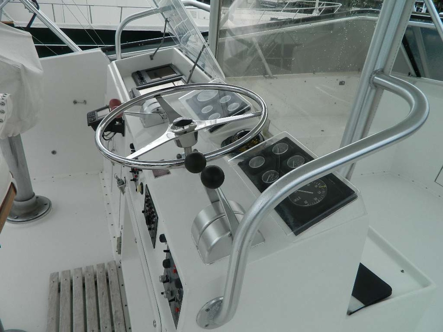 Hatteras-52 Sport Fisherman 1988-Iron Will Stuart-Florida-United States-Flybridge Console-1251596 | Thumbnail