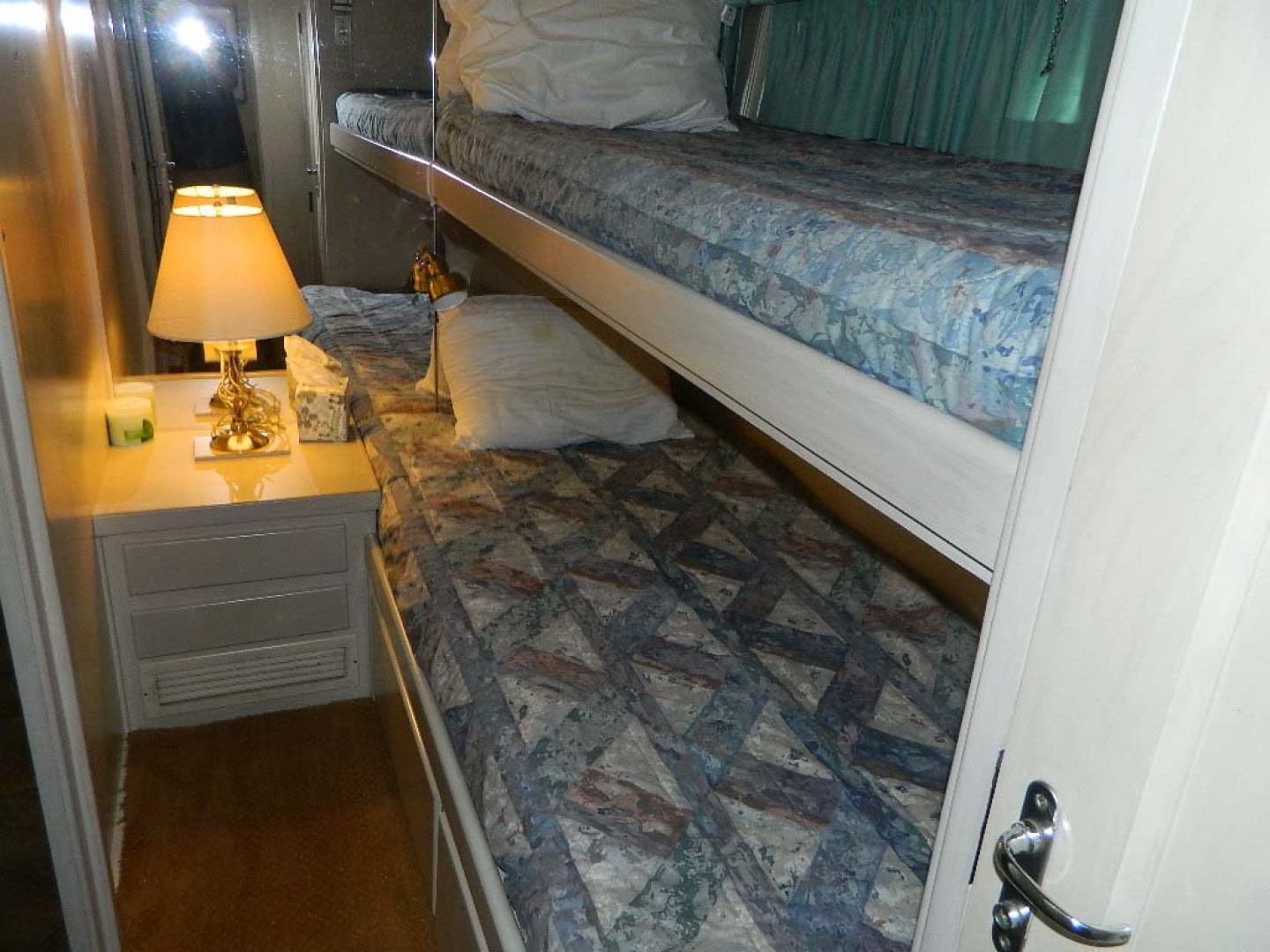 Hatteras-52 Sport Fisherman 1988-Iron Will Stuart-Florida-United States-Guest Stateroom Upper And Lower Berths-1251587 | Thumbnail