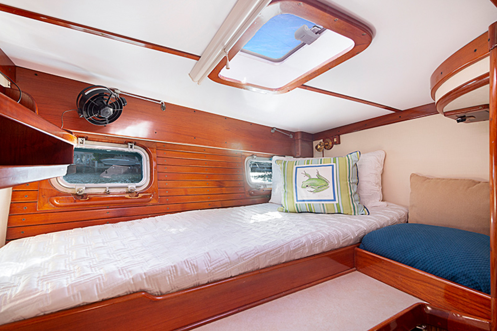 Little Harbor-Raised Saloon 1982-WIND WIZARD Fort Lauderdale-Florida-United States-Guest Stateroom-1264270 | Thumbnail