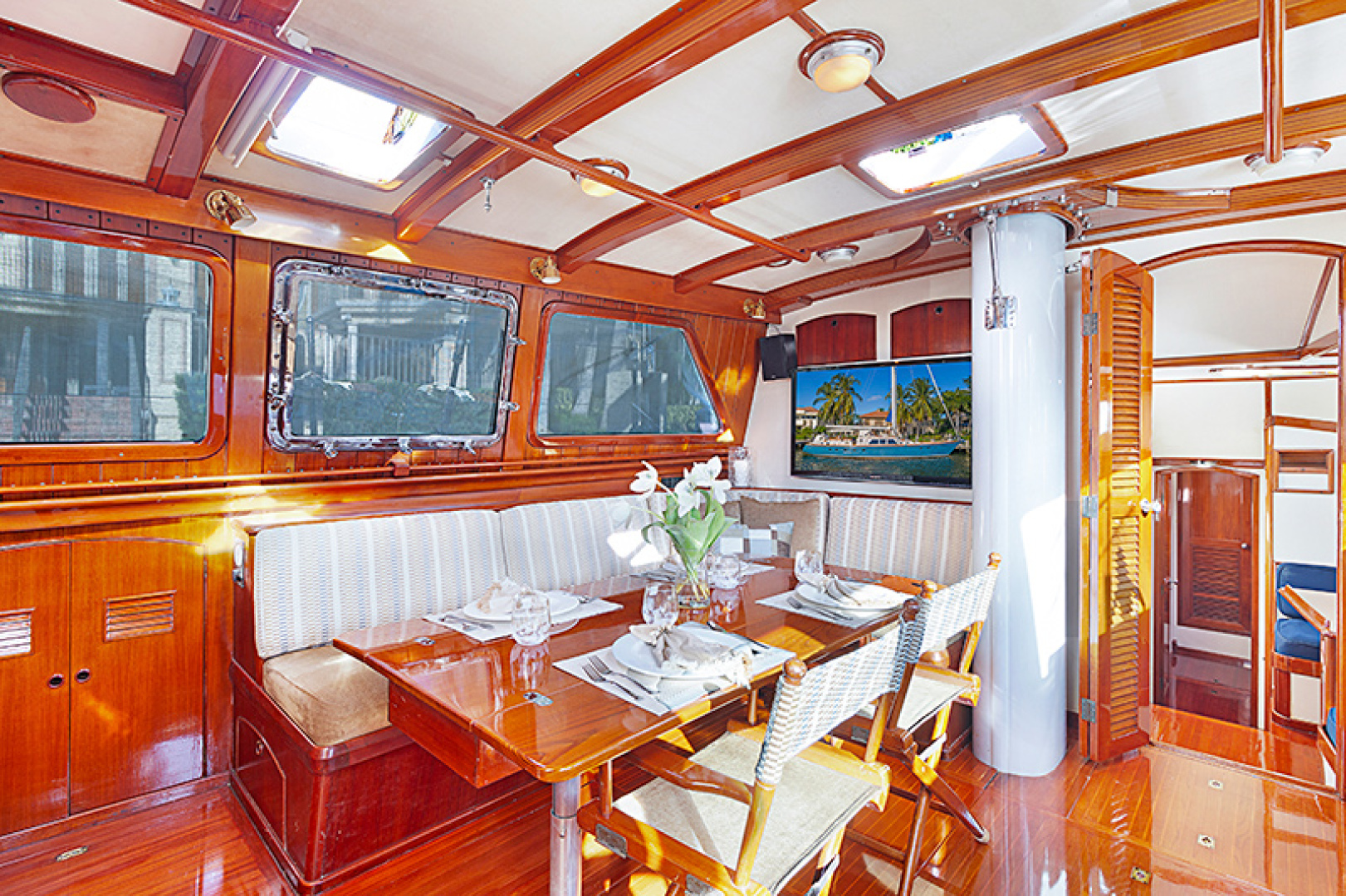 Little Harbor-Raised Saloon 1982-WIND WIZARD Fort Lauderdale-Florida-United States-Dining Area-1264259 | Thumbnail
