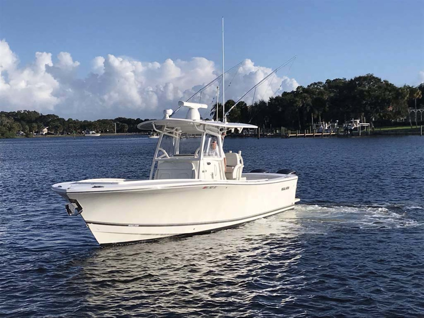 Regulator-31 Center Console 2017 -Stuart-Florida-United States-Port Bow-1253402   Thumbnail