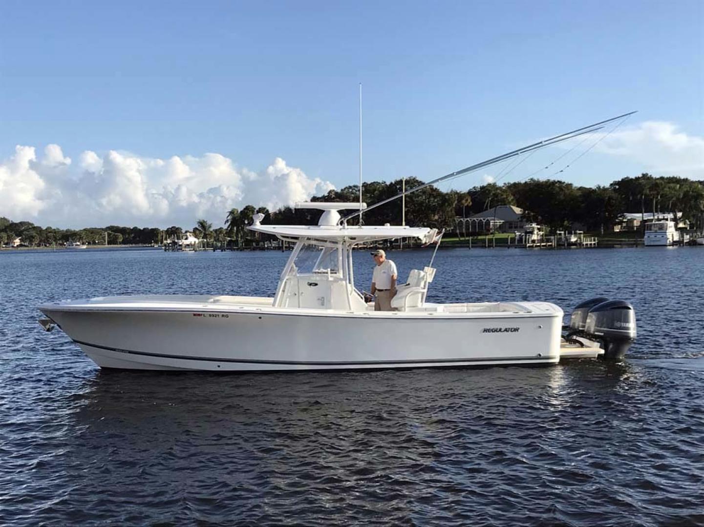 Regulator-31 Center Console 2017 -Stuart-Florida-United States-Port Side-1253401   Thumbnail