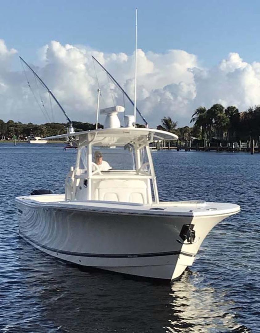 Regulator-31 Center Console 2017 -Stuart-Florida-United States-Bow View-1253403 | Thumbnail