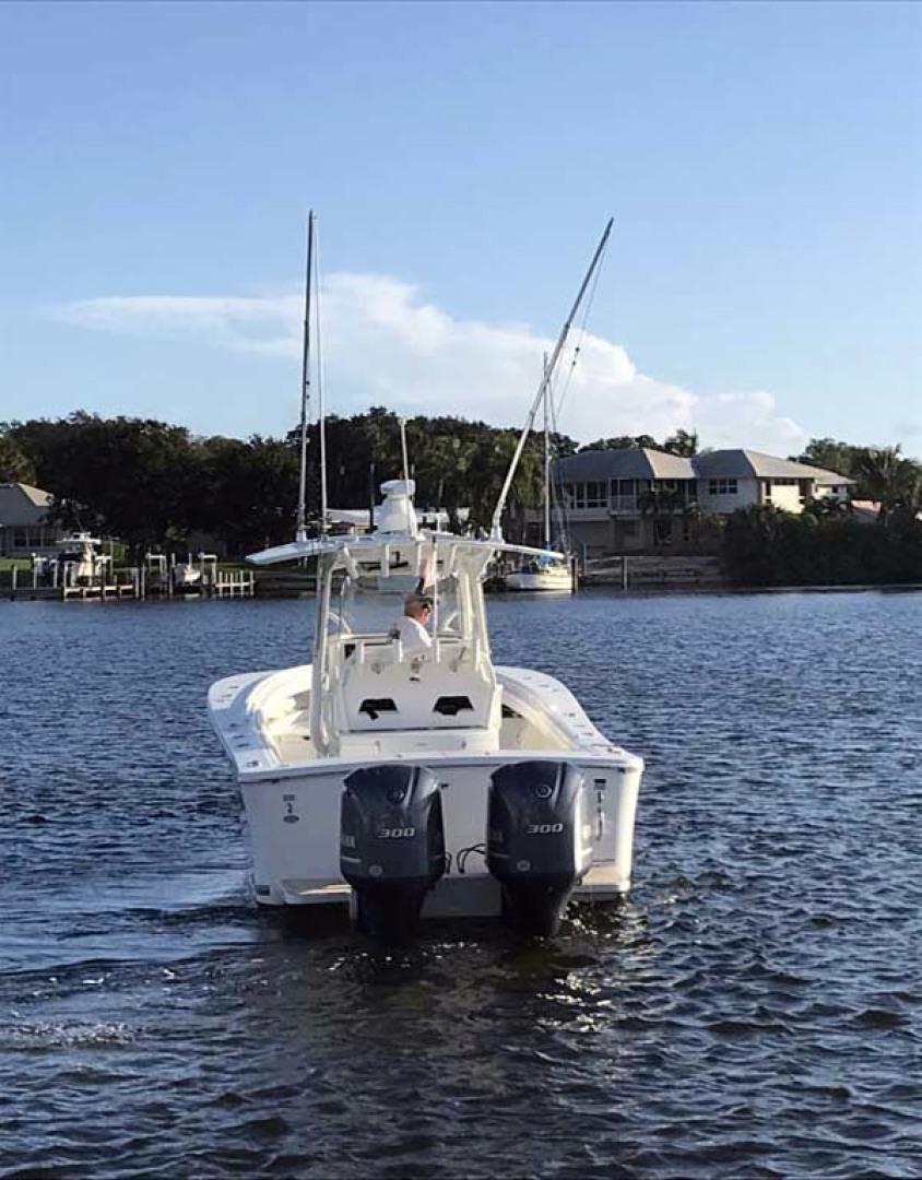 Regulator-31 Center Console 2017 -Stuart-Florida-United States-Stern View-1253409   Thumbnail