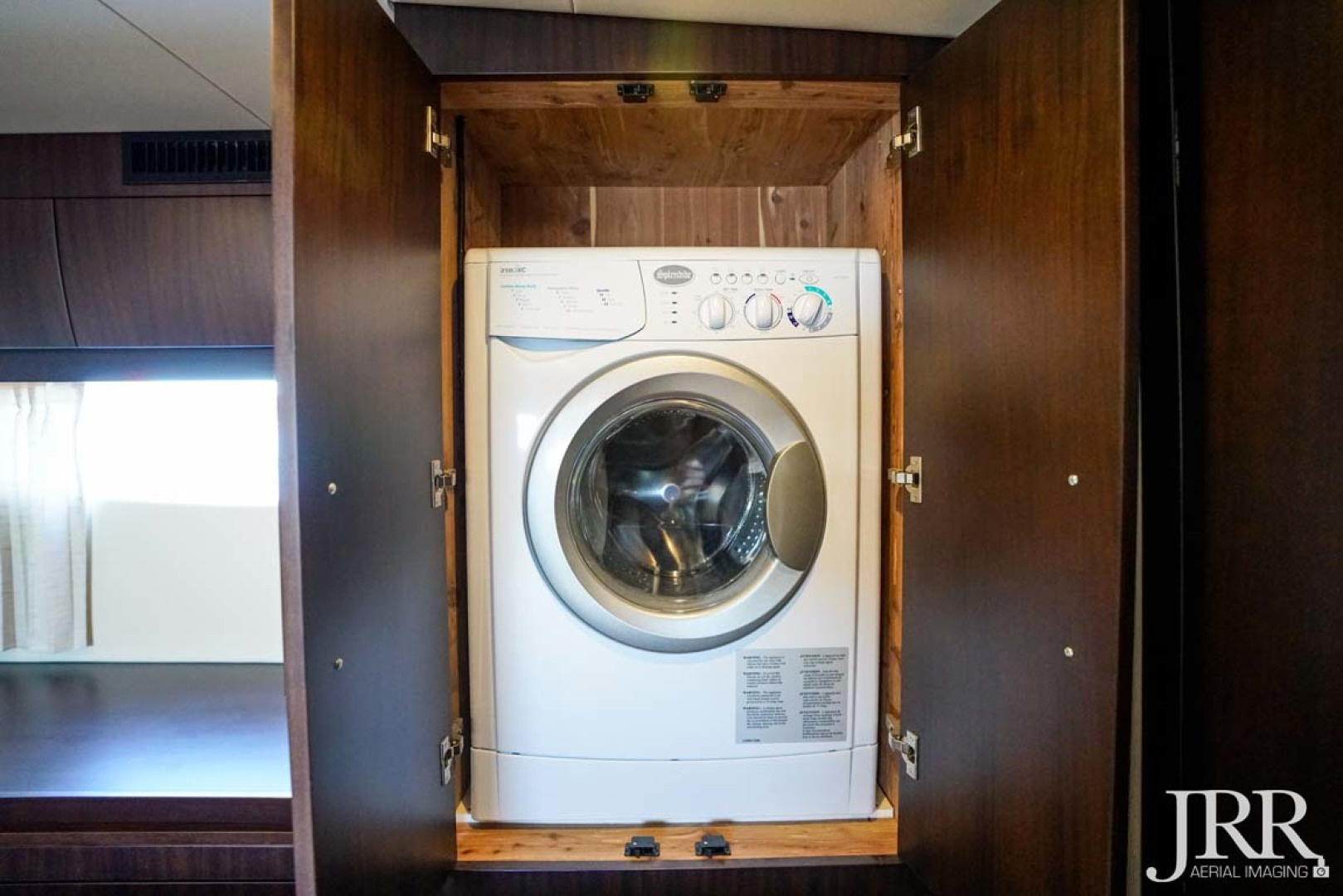 Regal-53 Sport Coupe 2017-LOOKING UP Pasadena-Maryland-United States-Washer and Dryer-1253627 | Thumbnail