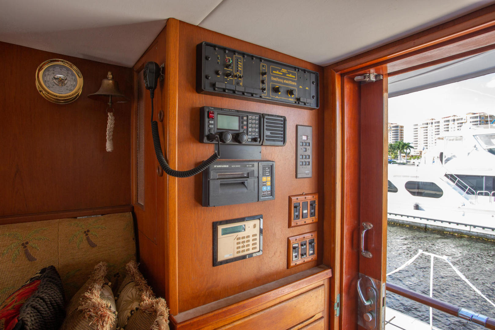 Burger-81 CPMY 1978-High Mileage Cape Coral-Florida-United States-Pilothouse-1254555   Thumbnail