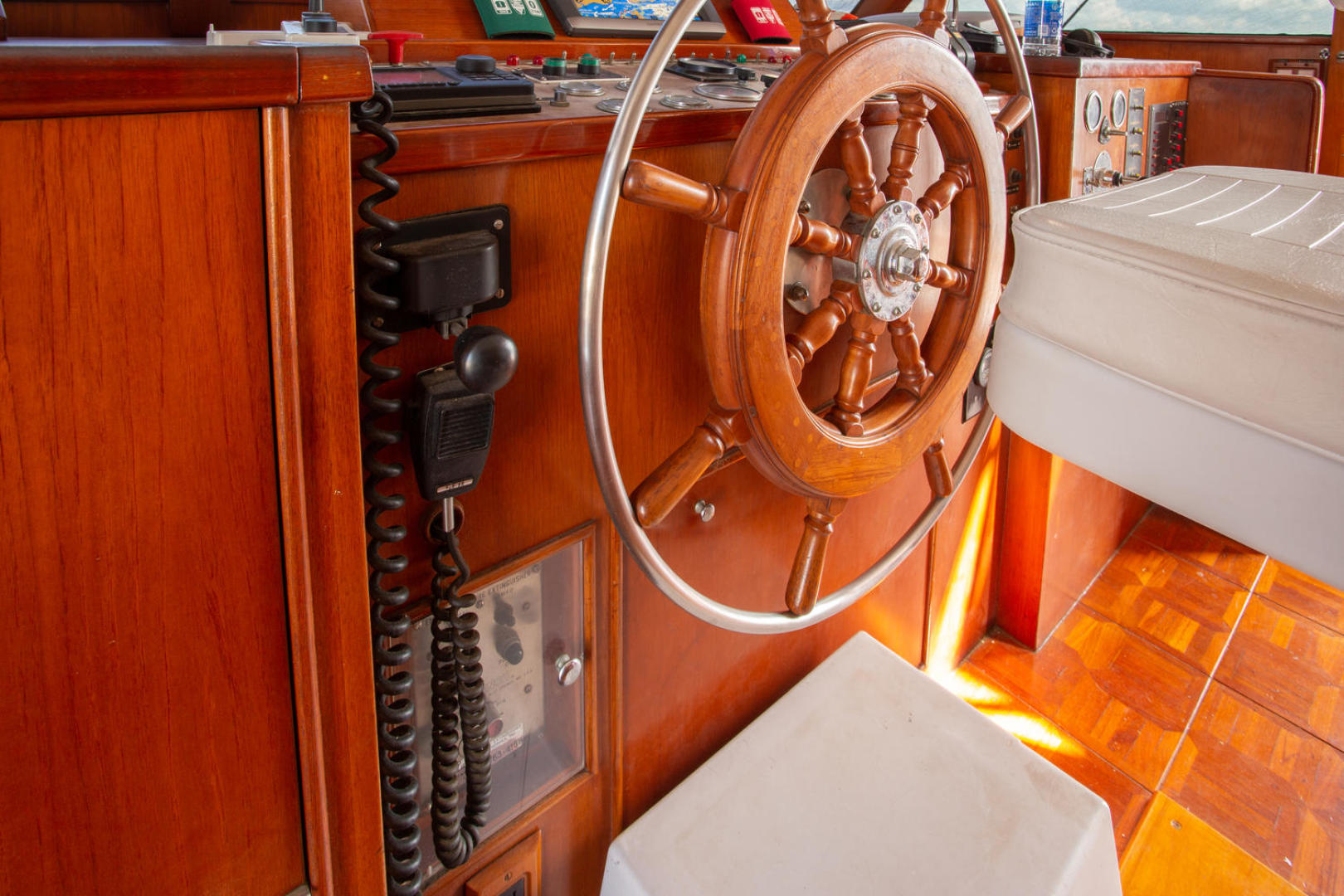 Burger-81 CPMY 1978-High Mileage Cape Coral-Florida-United States-Pilothouse-1254552   Thumbnail