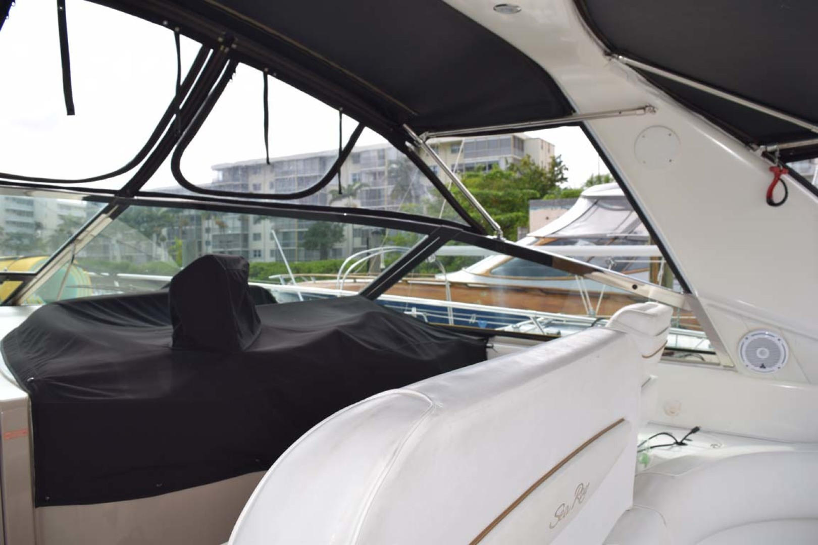 Sea Ray-400 Sundancer 1998-LEVELS Miami-Florida-United States-Helm Covered-1283874 | Thumbnail