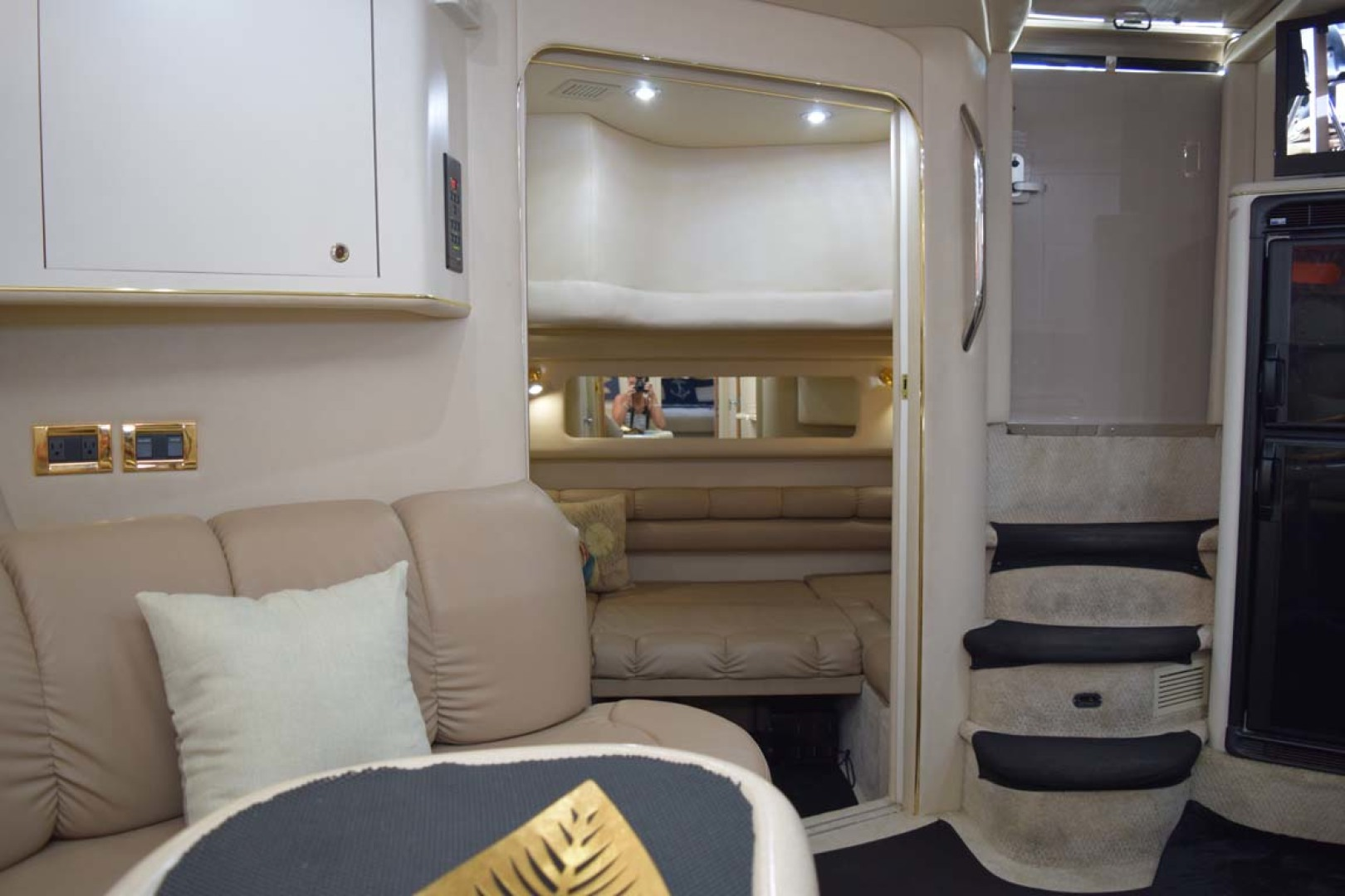 Sea Ray-400 Sundancer 1998-LEVELS Miami-Florida-United States-Guest Cabin-1283914 | Thumbnail
