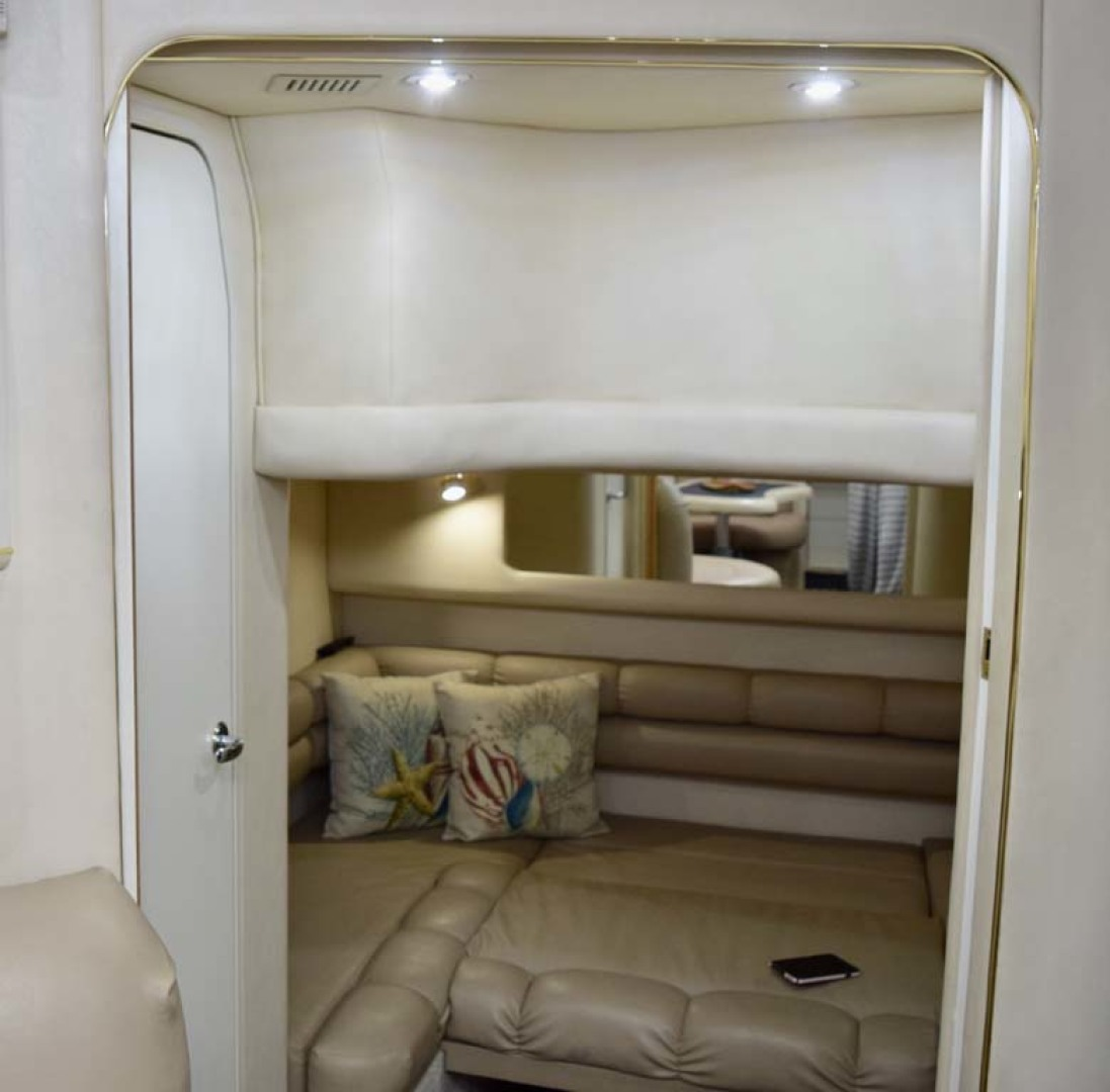 Sea Ray-400 Sundancer 1998-LEVELS Miami-Florida-United States-Guest Cabin-1283915 | Thumbnail