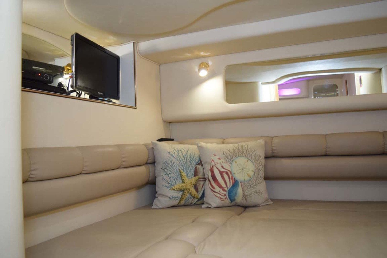 Sea Ray-400 Sundancer 1998-LEVELS Miami-Florida-United States-Guest Cabin-1283911 | Thumbnail