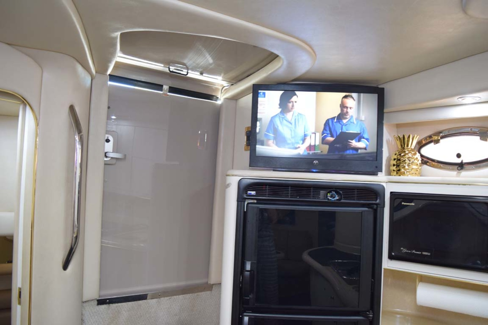 Sea Ray-400 Sundancer 1998-LEVELS Miami-Florida-United States-Galley Refrigerator-1283896 | Thumbnail