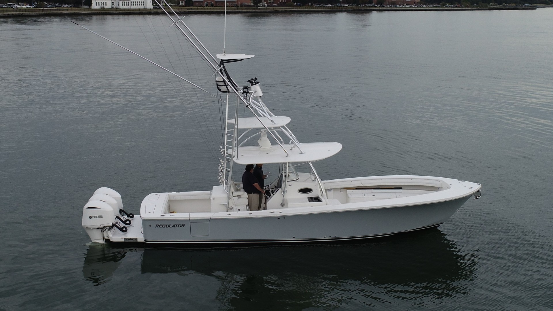 Picture Of: 33' Regulator 34SS 2018 Yacht For Sale | 2 of 24