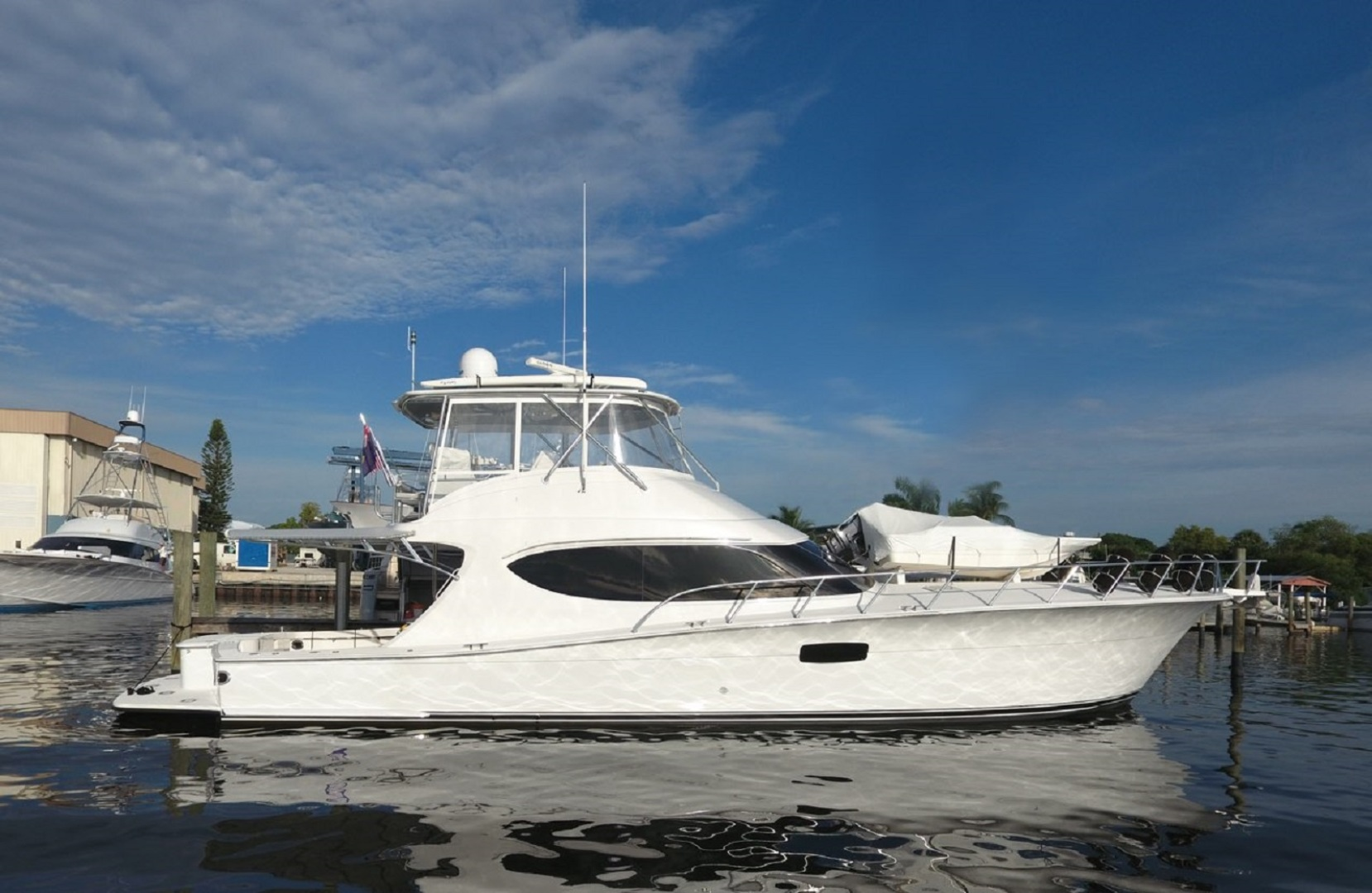 Picture Of: 63' Hatteras 63GT 2016 Yacht For Sale | 2 of 84