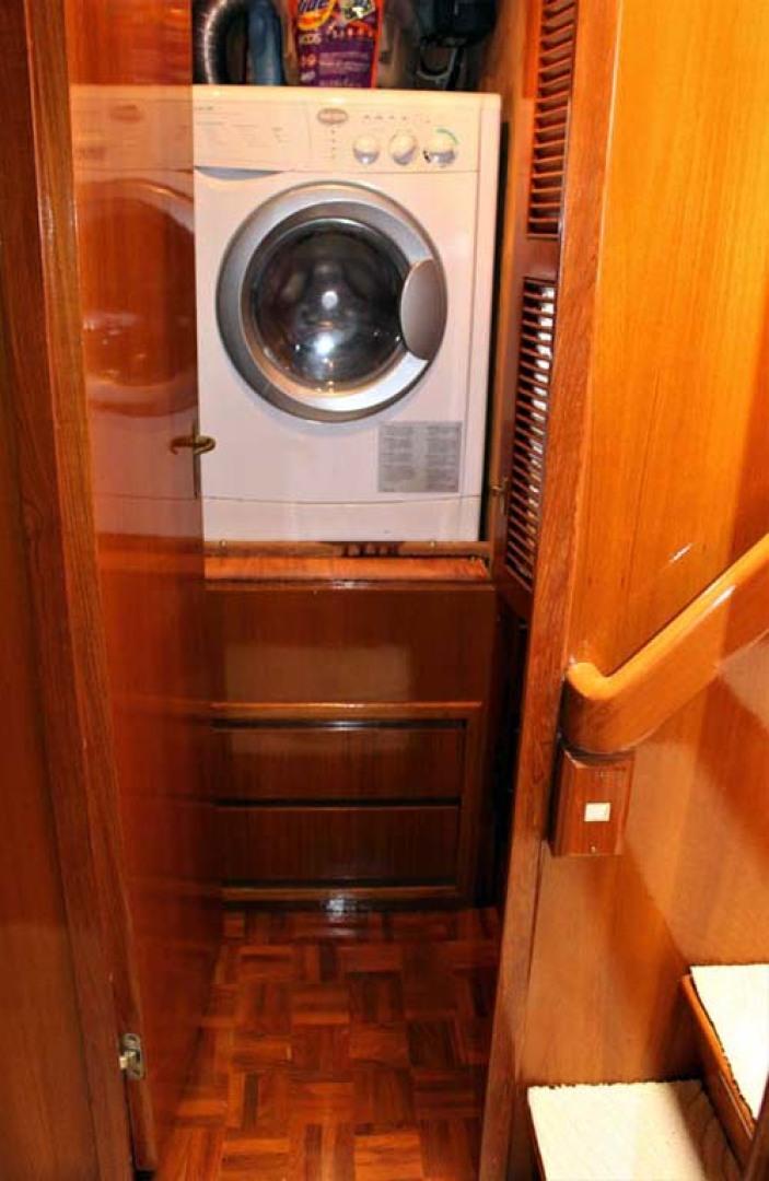 Ocean Alexander-500 Sports Sedan 1998-Queezy Fort Pierce-Florida-United States-Washer/Dryer-1261583 | Thumbnail
