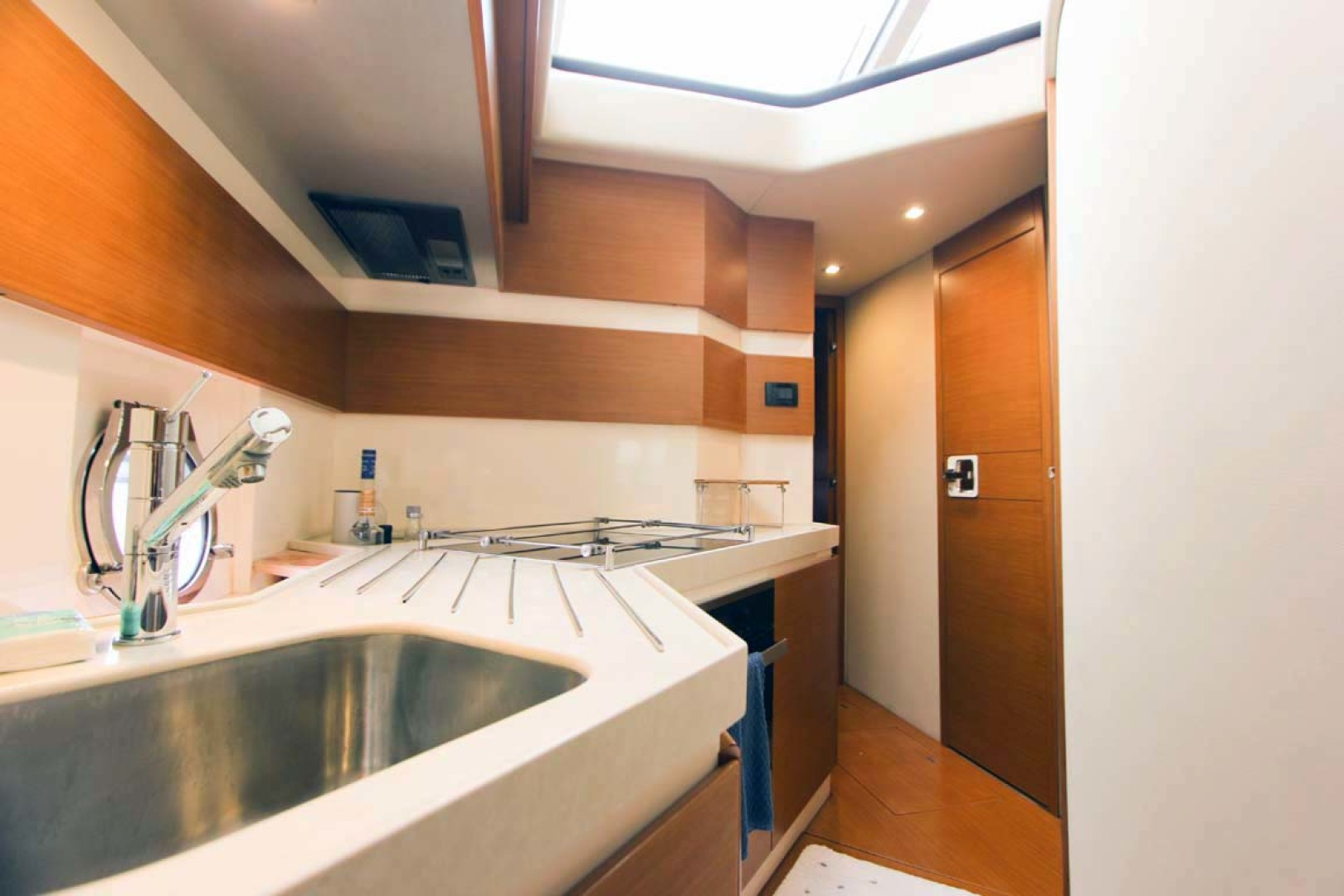 Azimut-45 Flybridge 2016 -Coral Gables-Florida-United States-Solid Surface Countertop-1269393 | Thumbnail