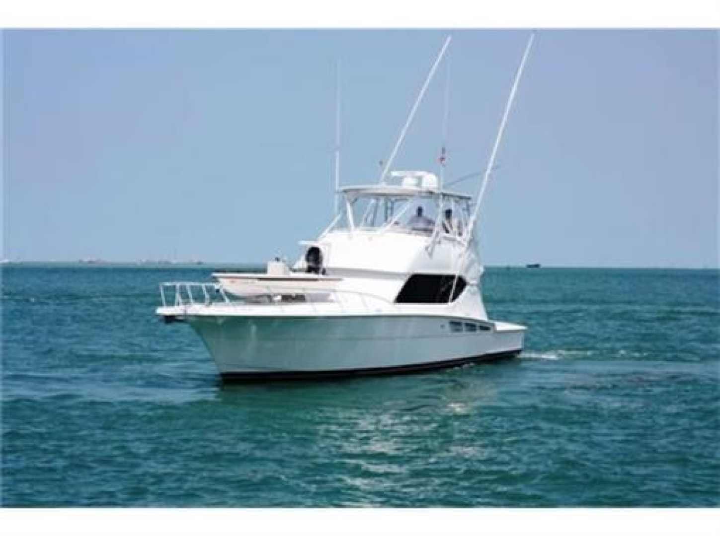 Picture Of: 50' Hatteras 50 Convertible 2002 Yacht For Sale | 2 of 37