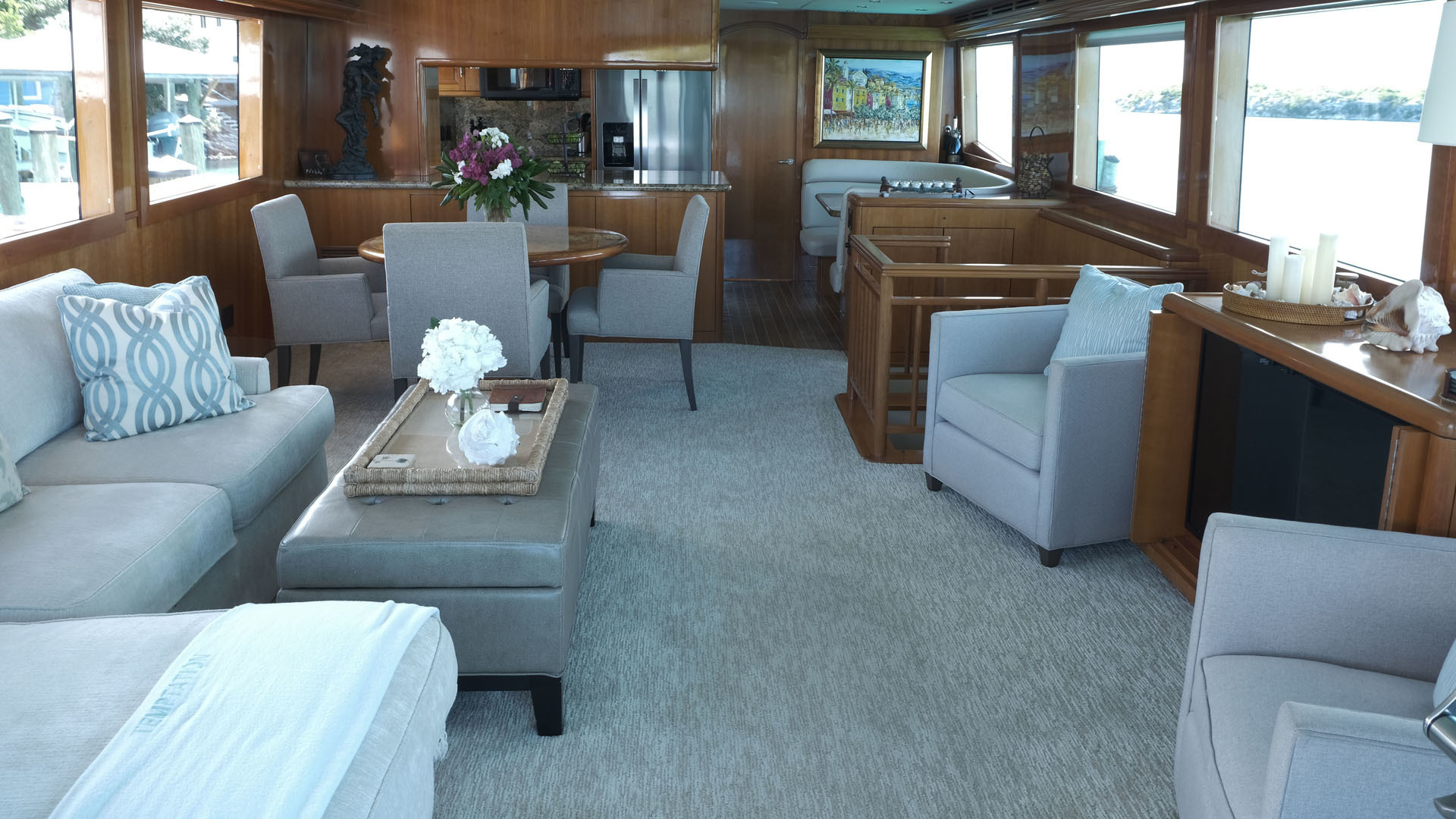 Picture Of: 75' Hatteras Sport Deck 2004 Yacht For Sale | 2 of 15