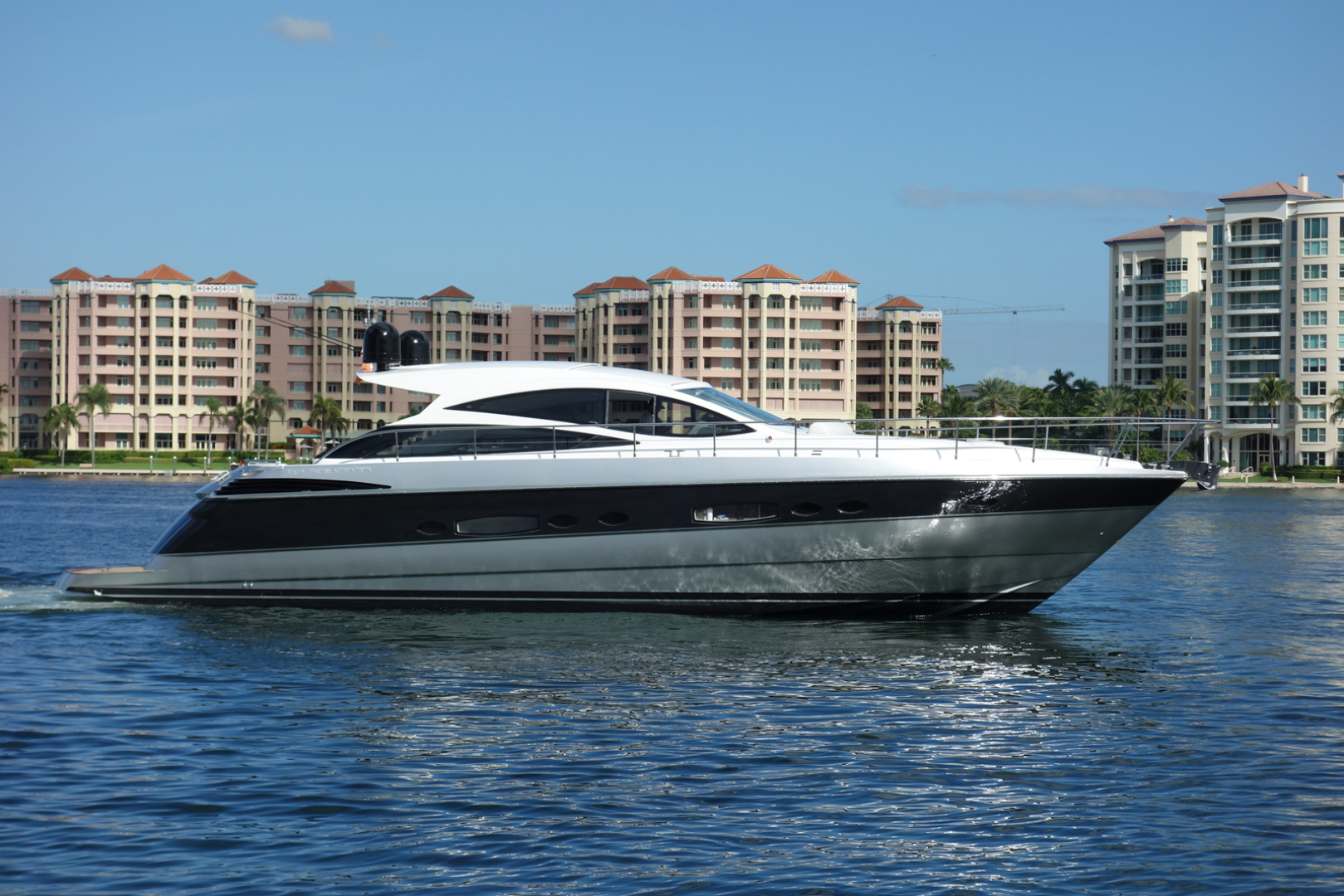 Picture Of: 56' Pershing Pershing 56 2009 Yacht For Sale | 1 of 29