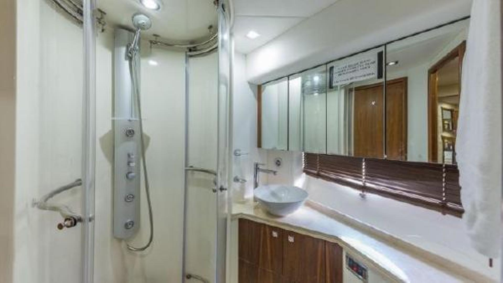 62' Sunseeker, Listing Number 100845594, - Photo No. 18