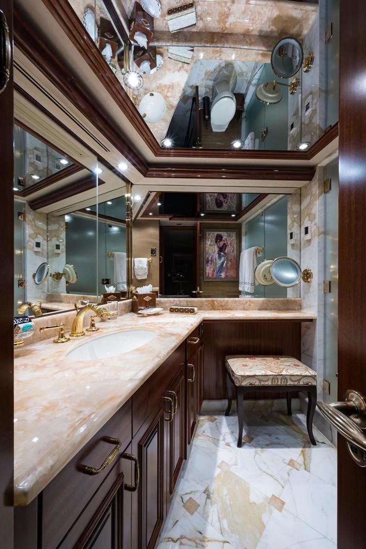 Westport-Motoryacht 2010-Cavallino Fort Lauderdale-Florida-United States-Master Head-1270093 | Thumbnail