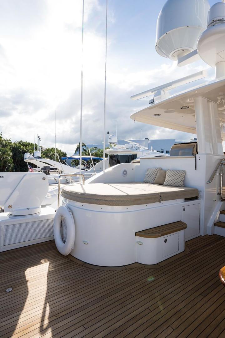 Westport-Motoryacht 2010-Cavallino Fort Lauderdale-Florida-United States-Boat Deck/Hot Tub-1270112 | Thumbnail
