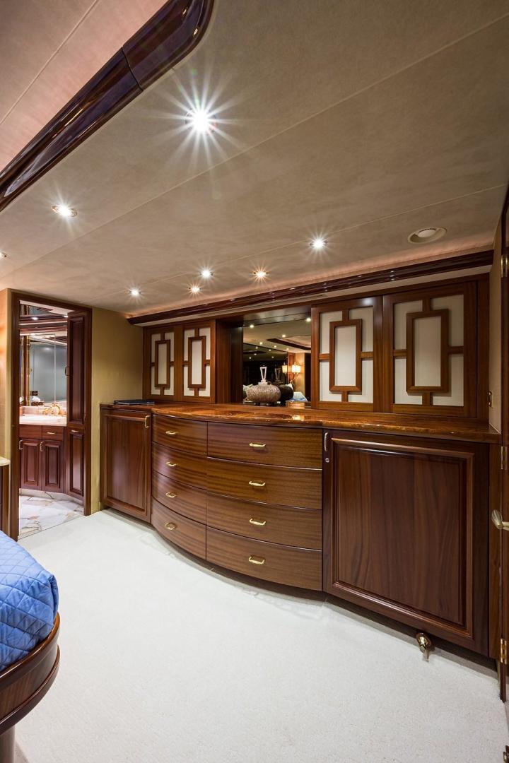 Westport-Motoryacht 2010-Cavallino Fort Lauderdale-Florida-United States-Master Stateroom-1270091 | Thumbnail