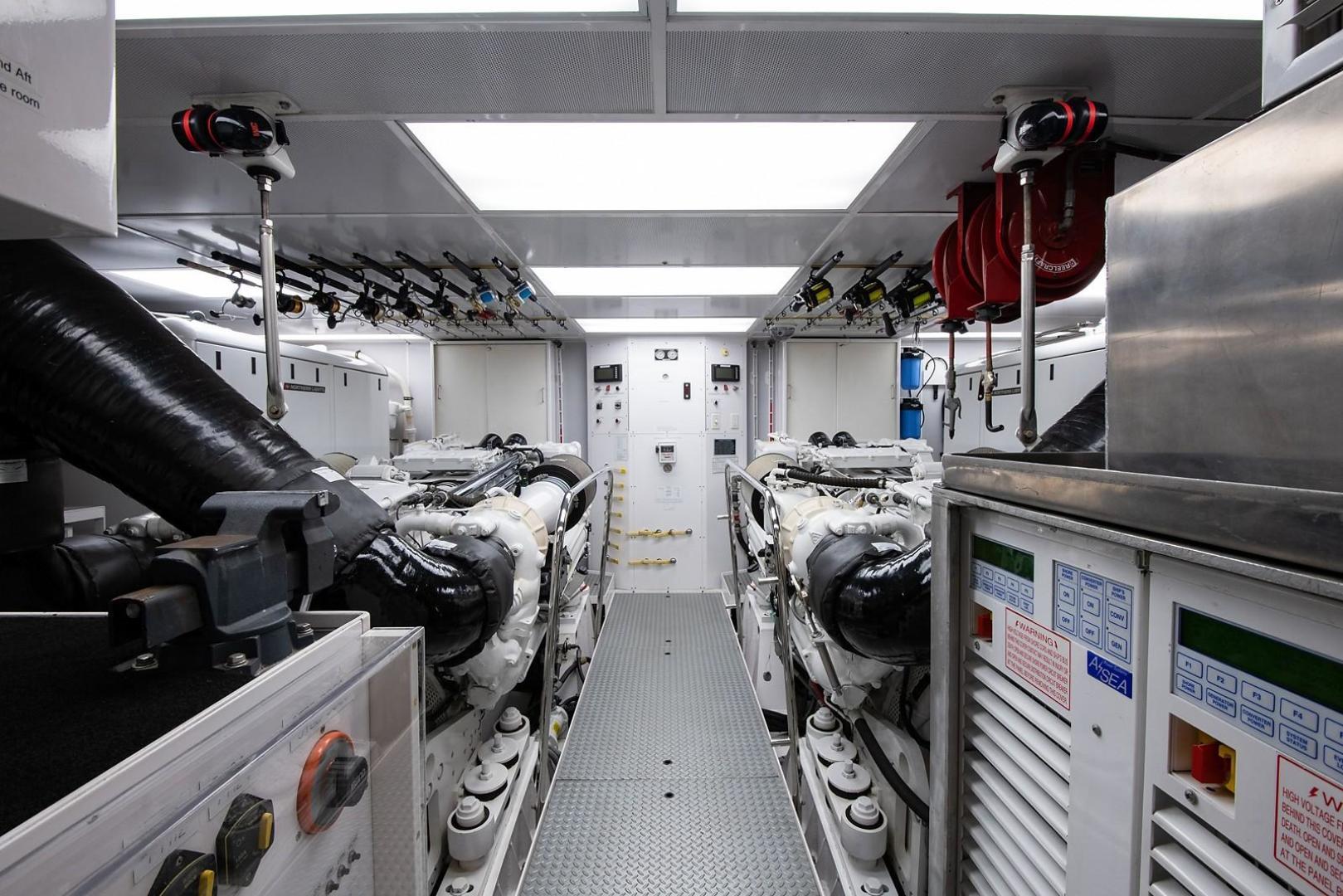 Westport-Motoryacht 2010-Cavallino Fort Lauderdale-Florida-United States-Engine Room-1270082 | Thumbnail