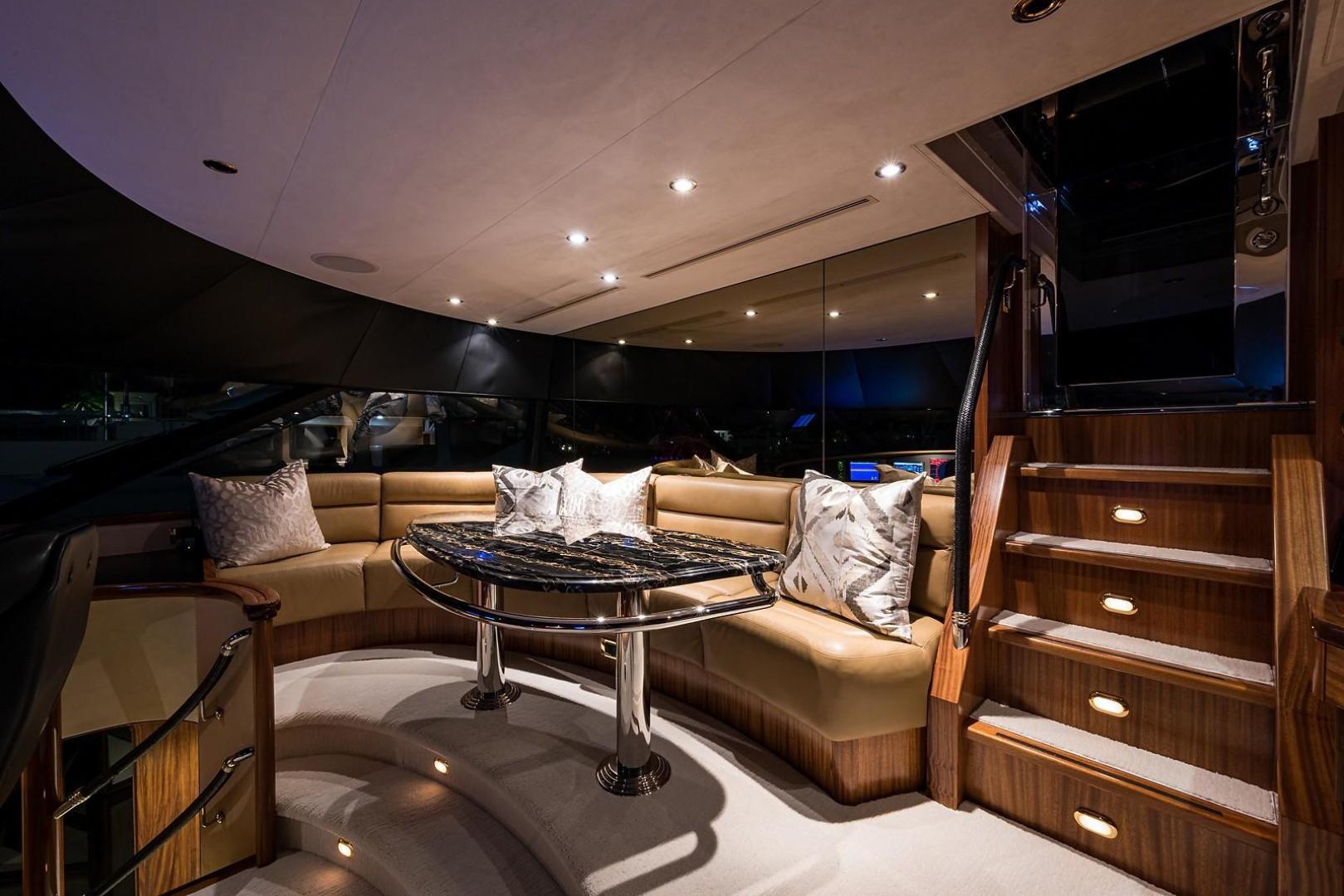 Westport-Motoryacht 2010-Cavallino Fort Lauderdale-Florida-United States-Pilothouse/Settee-1270133 | Thumbnail