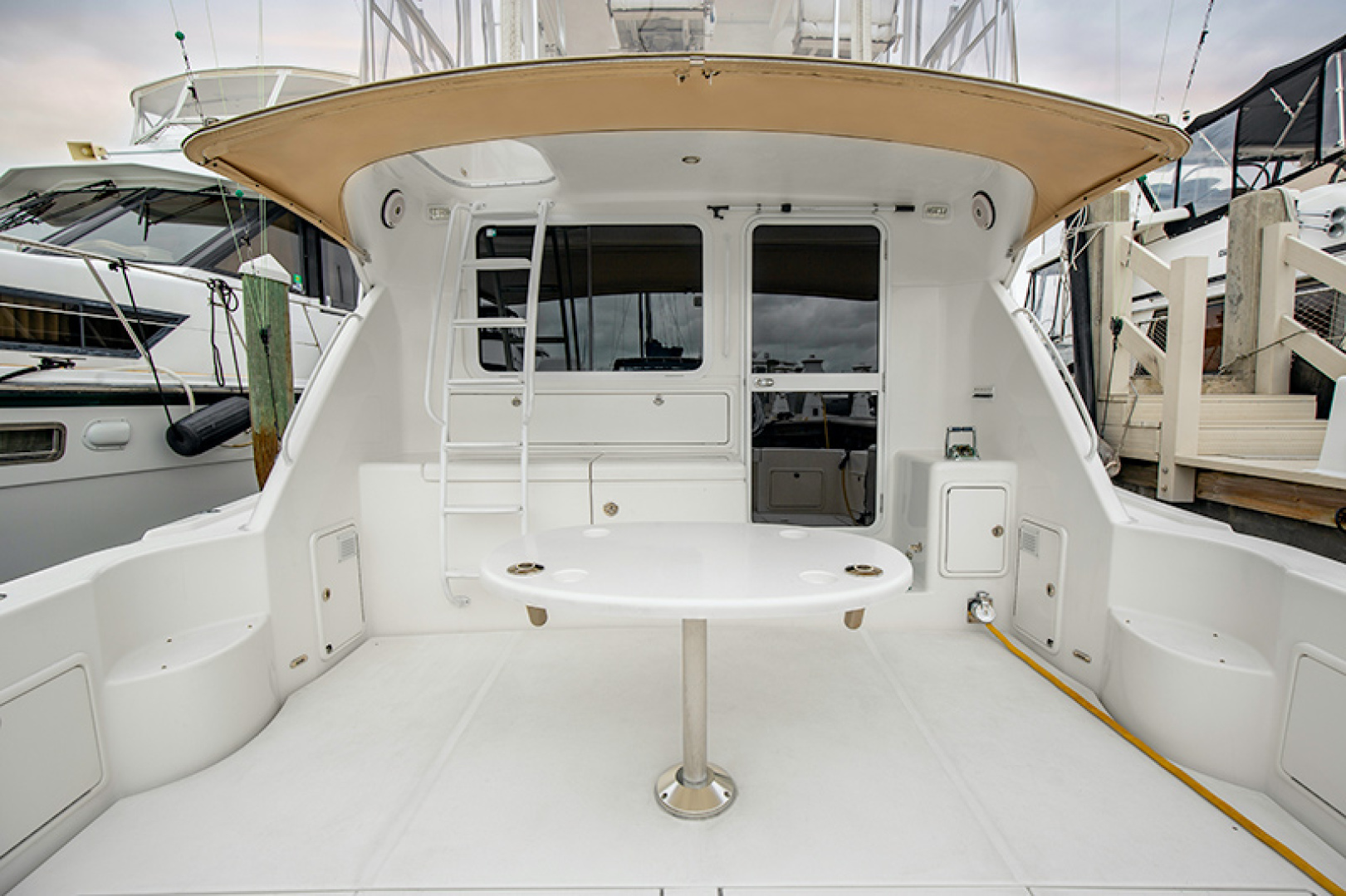 Picture Of: 47' Riviera 2006 Yacht For Sale | 2 of 30