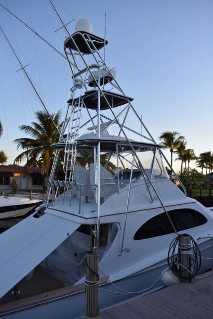 Spencer-Sportfish 2013-Fire Escape Pompano Beach-Florida-United States-Full View of Tuna Tower-1274287 | Thumbnail
