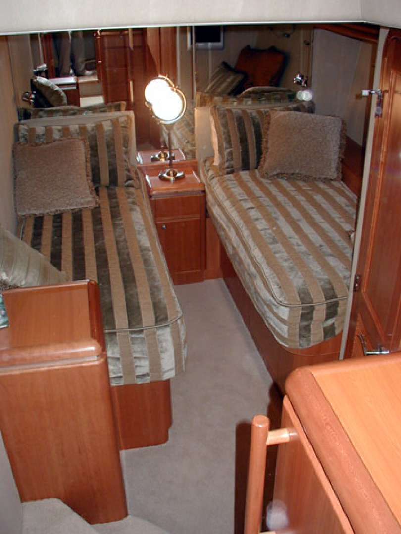 West Bay-Custom Enclosed Bridge 2005-Dream Weaver North Palm Beach-Florida-United States-Guest Stateroom-1276209 | Thumbnail