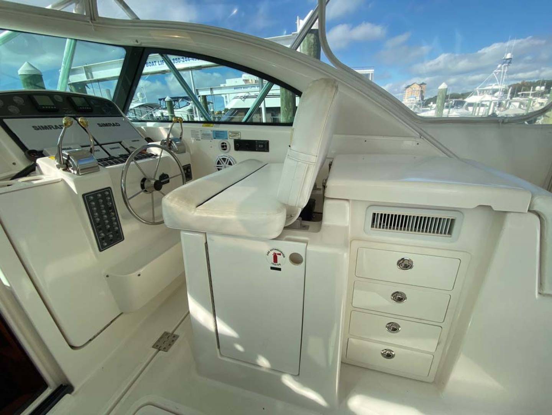 Pursuit-3800 Express 2002-Going Deep Destin-Florida-United States-Helm Deck-1276706 | Thumbnail