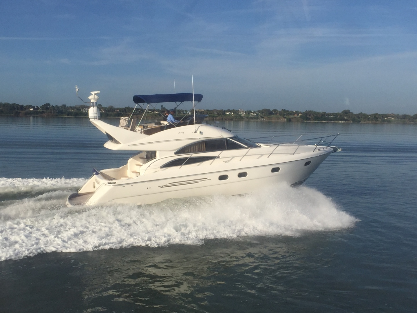 Picture Of: 45' Viking Sport Cruisers 45 Flybridge 2001 Yacht For Sale | 1 of 73