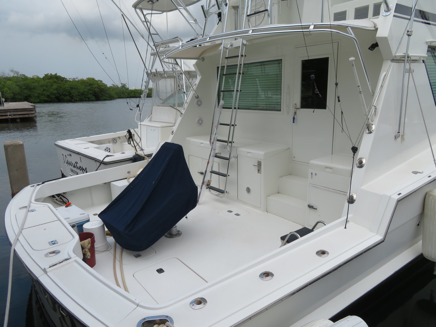 Picture Of: 65' Hatteras 1996 Yacht For Sale | 2 of 38