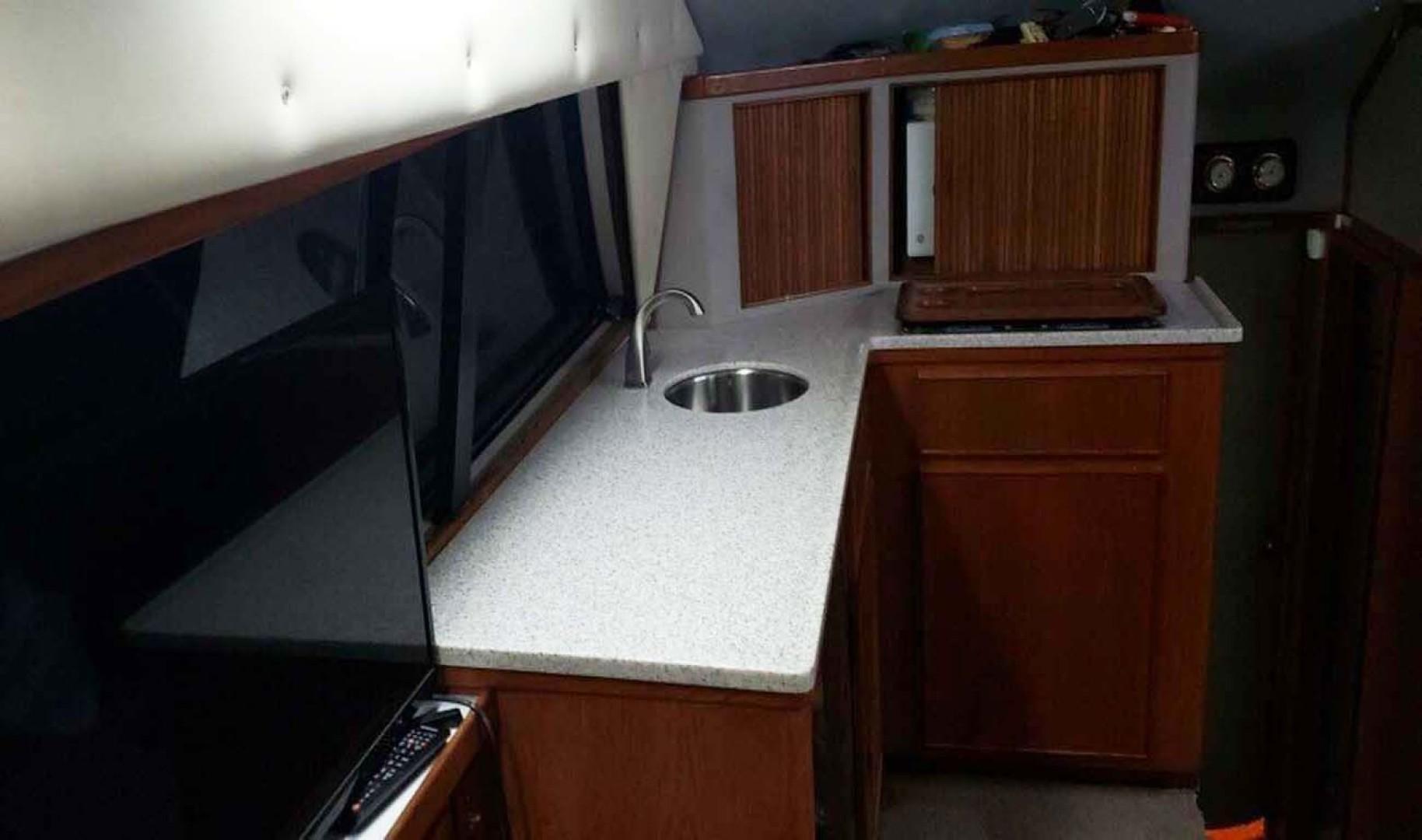 Bertram-Convertible 1987 -Pensacola-Florida-United States-New Corian Countertops-1322834 | Thumbnail