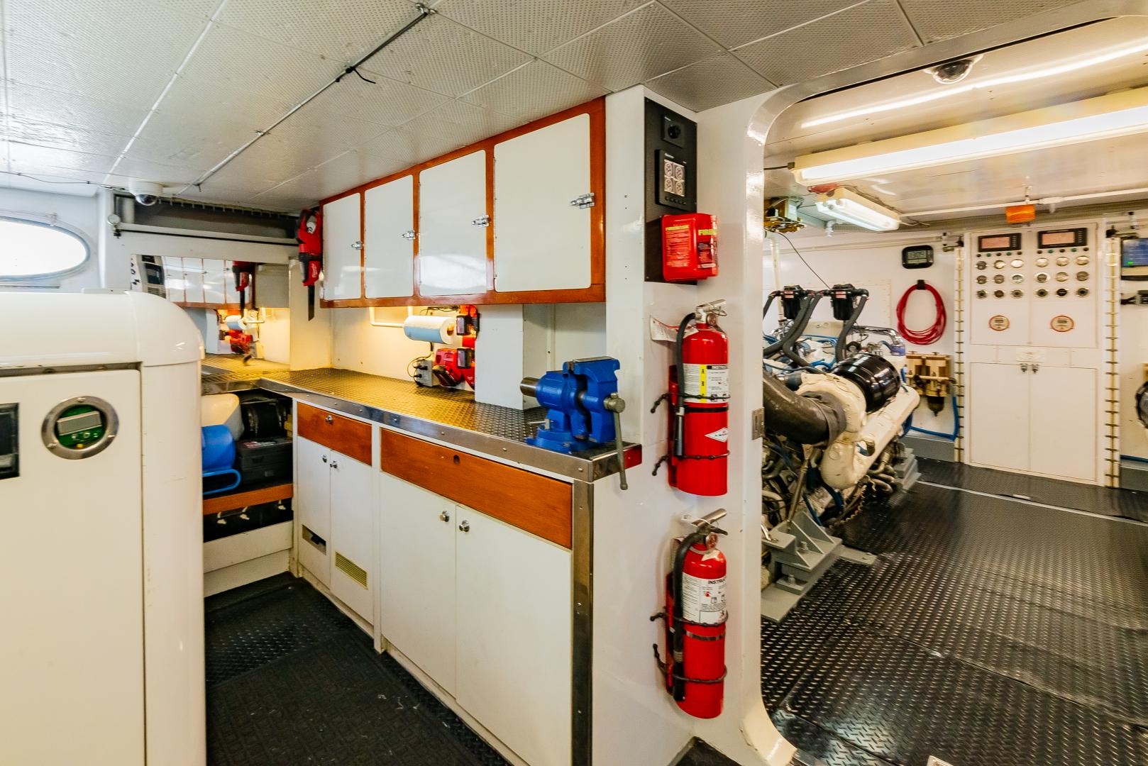 Barattucci-Yachtfisher 1992-STEADFAST Seattle-Washington-United States-GENERATOR ROOM-1284185 | Thumbnail