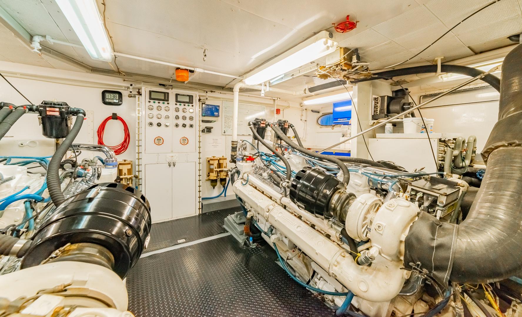 Barattucci-Yachtfisher 1992-STEADFAST Seattle-Washington-United States-ENGINE ROOM-1284181 | Thumbnail