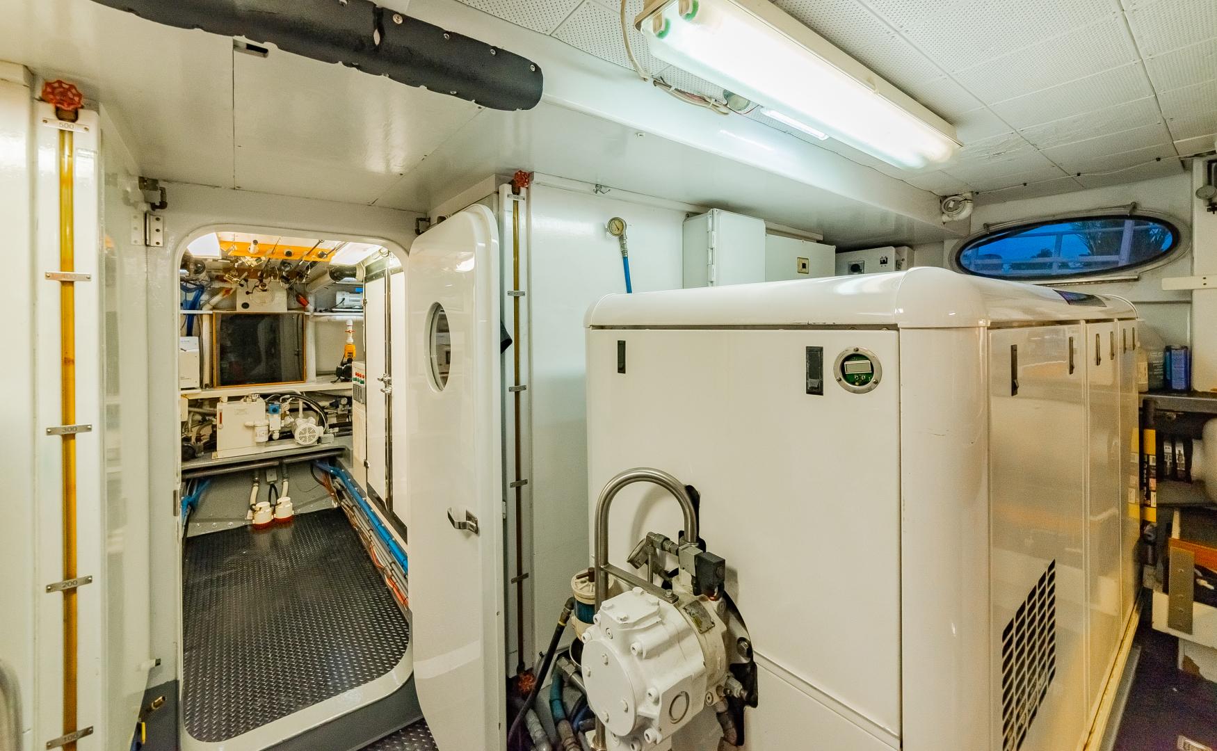 Barattucci-Yachtfisher 1992-STEADFAST Seattle-Washington-United States-GENERATOR ROOM-1284184 | Thumbnail