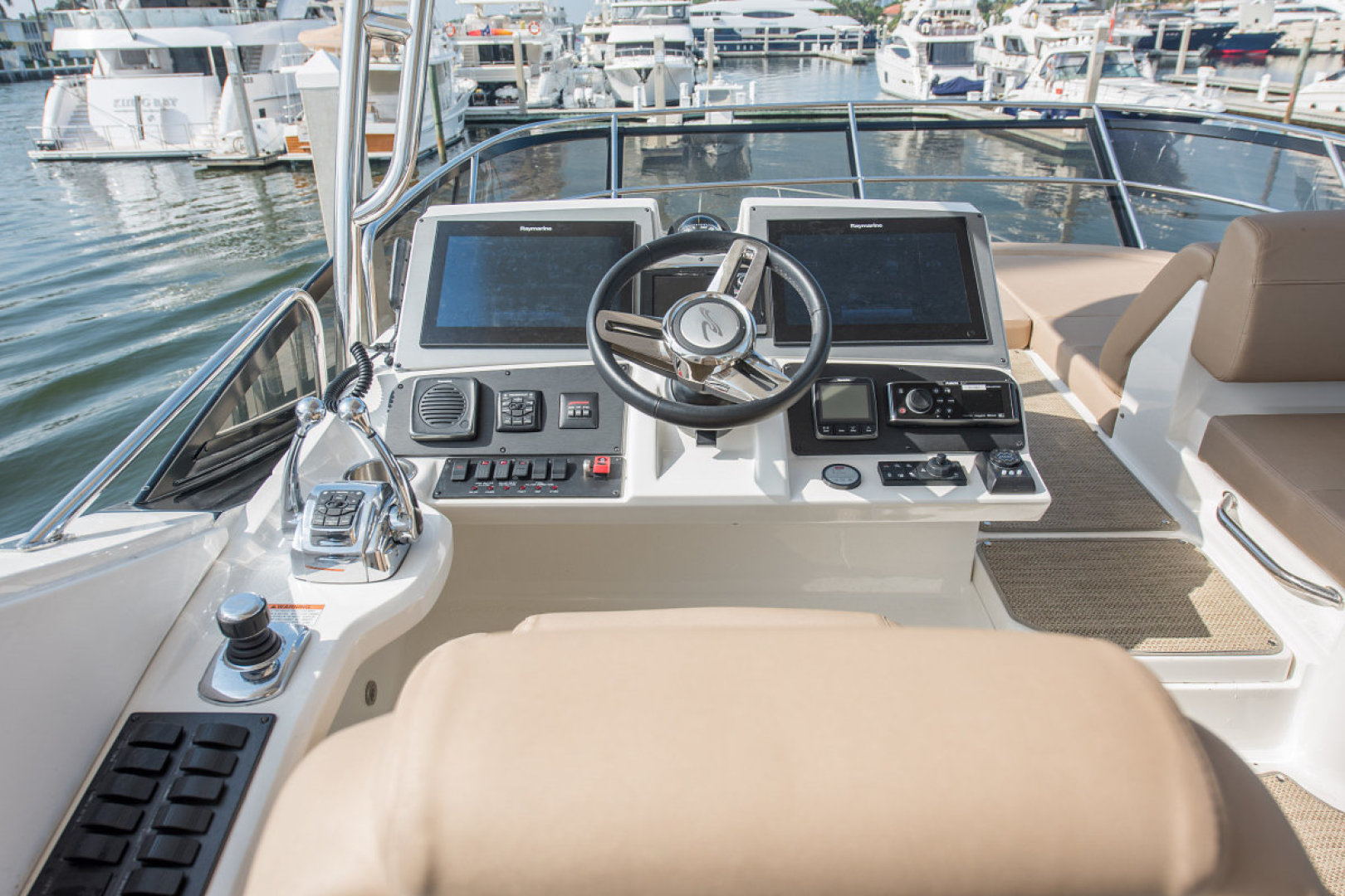 Sea Ray-L590 Fly 2016-2016 Sea Ray L590 Fly Ft. Lauderdale-Florida-United States-1284606 | Thumbnail